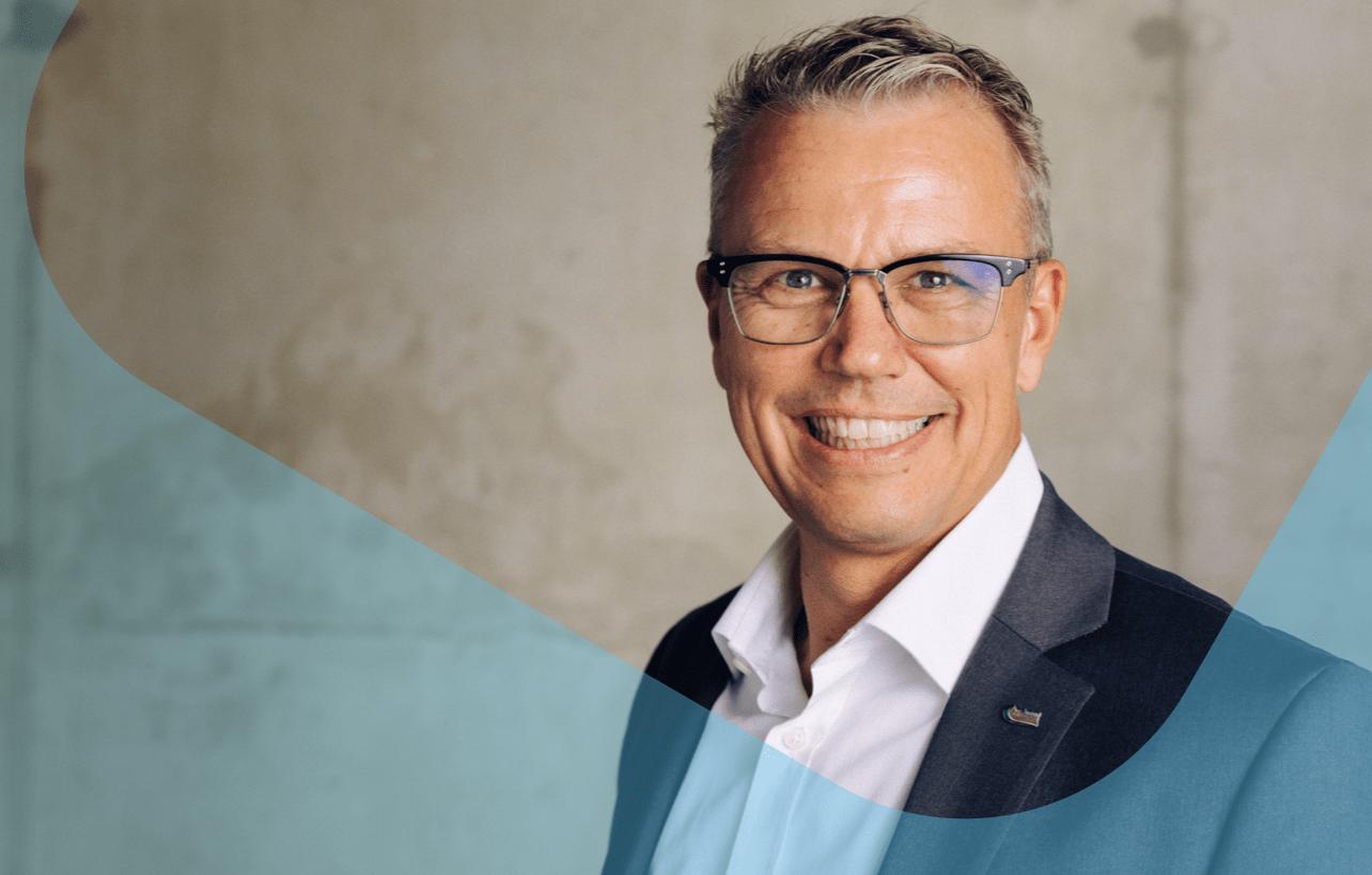 Der Geschäftsführer: Dipl.-Ing. Dr. Dirk Frobese — Projektmanagement von Großprojekten und Programmen mit jahrelanger Erfahrung.